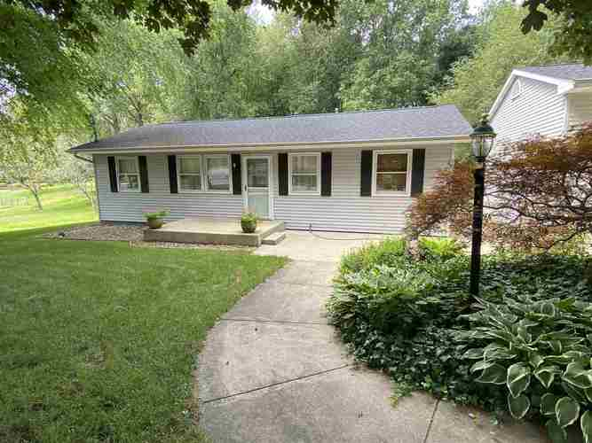 53853 Whitesell Drive South Bend IN 46628 | MLS 202029880 | photo 1