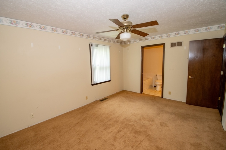 54262 Forest Grove Avenue Elkhart IN 46514 | MLS 202029968 | photo 11