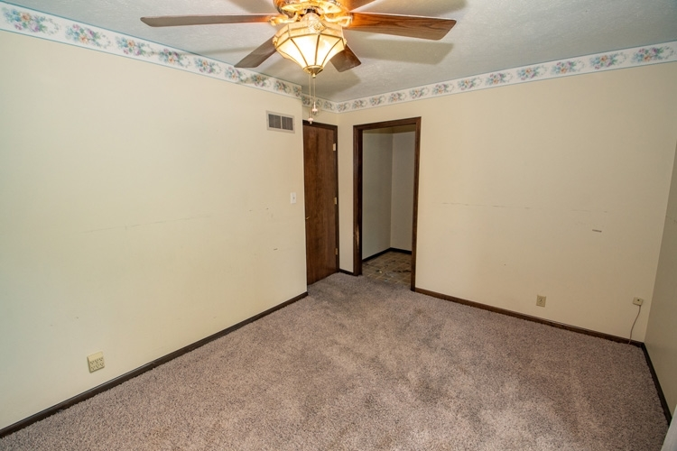 54262 Forest Grove Avenue Elkhart IN 46514 | MLS 202029968 | photo 14