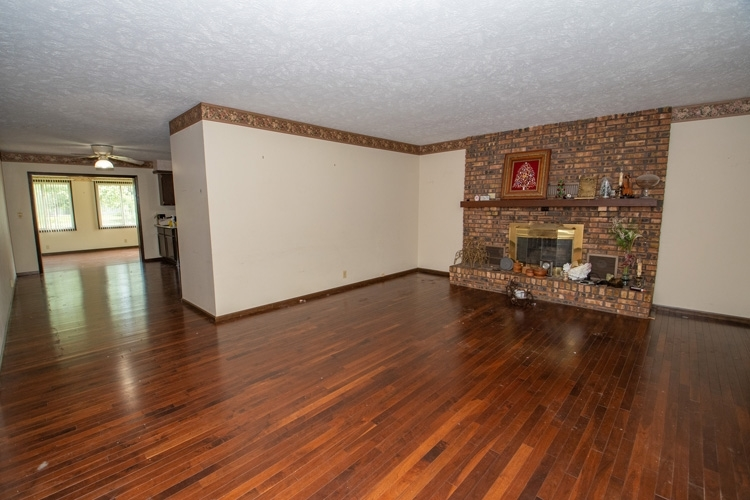54262 Forest Grove Avenue Elkhart IN 46514 | MLS 202029968 | photo 4