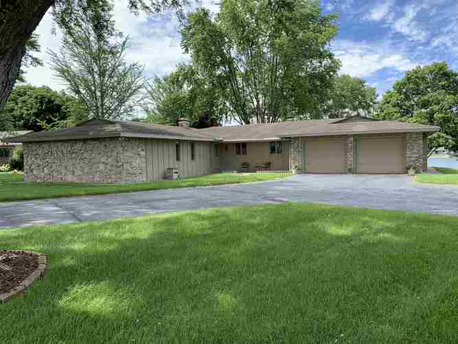 615  Lakeview Drive Logansport, IN 46947   MLS 202030221