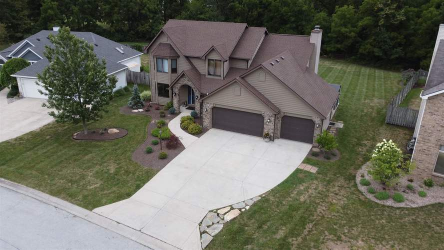 2019  Falconview Place Fort Wayne, IN 46818-8817   MLS 202030594