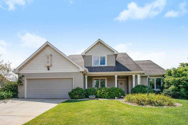 58545  Heather Pointe Dr. Drive Osceola, IN 46561 | MLS 202030771