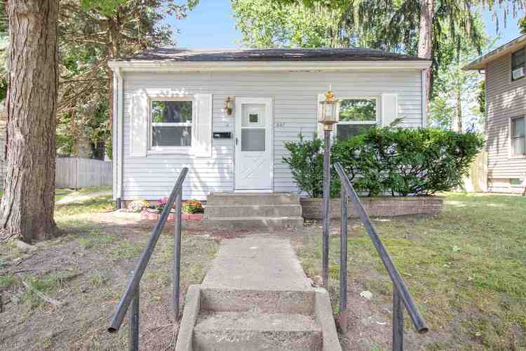 537  27th Street S. Streets South Bend, IN 46615 | MLS 202031012