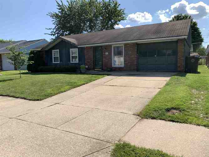 3822  Glenview Drive South Bend, IN 46628-3866 | MLS 202031031
