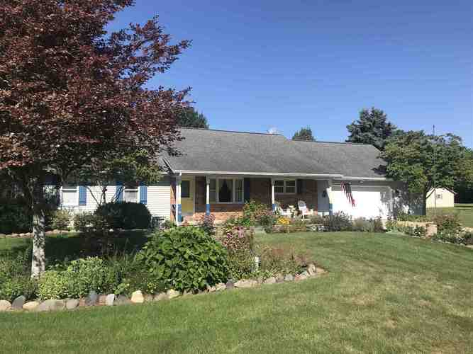 9371  Collins Drive Plymouth, IN 46563 | MLS 202031114