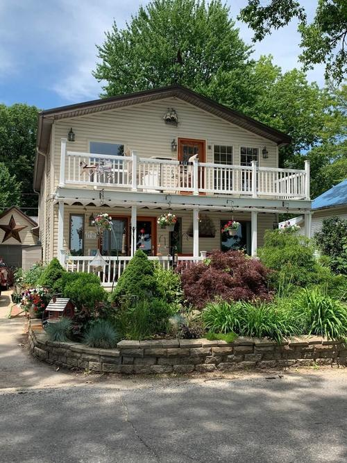 51741 E County Line Road Middlebury, IN 46540 | MLS 202032547