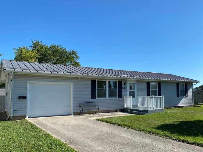 641 E Franklin Street Berne, IN 46711 | MLS 202032876