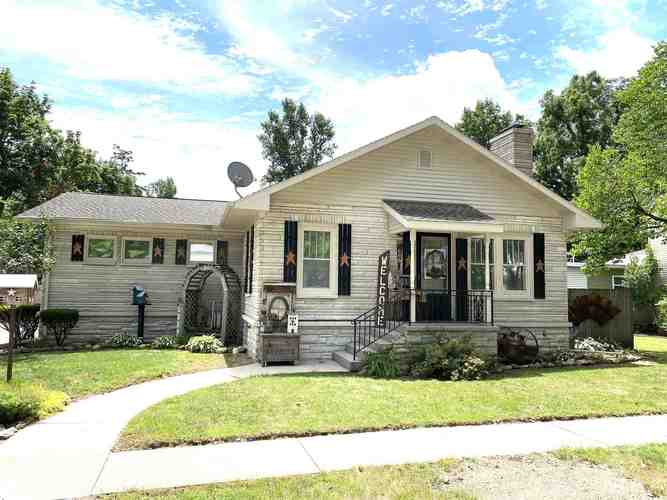 605  Miami Street North Manchester, IN 46962   MLS 202033183