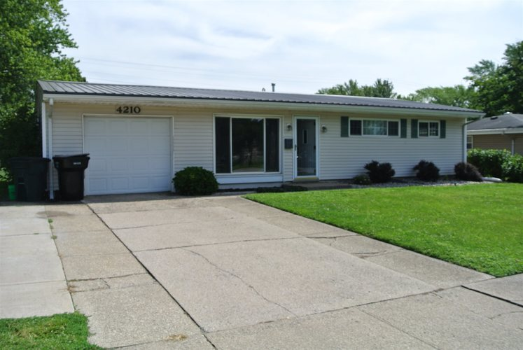 4210  Miami Street South Bend, IN 46614-2648 | MLS 202035337