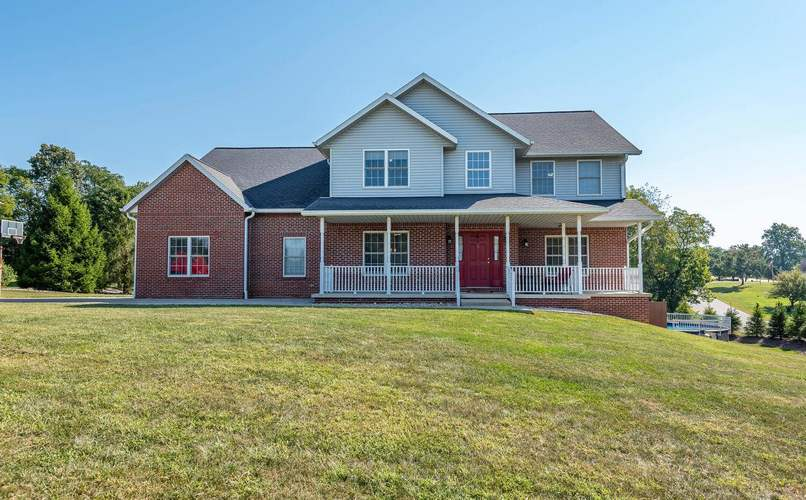 8111 S Whitherbee Drive Bloomington, IN 47401-7401 | MLS 202036198