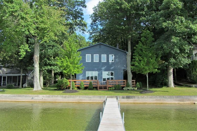 398 E Clear Lake Drive Fremont, IN 46737 | MLS 202036330