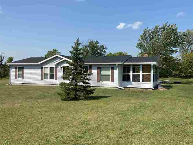 7311 E River Road Montpelier, IN 47359 | MLS 202036337