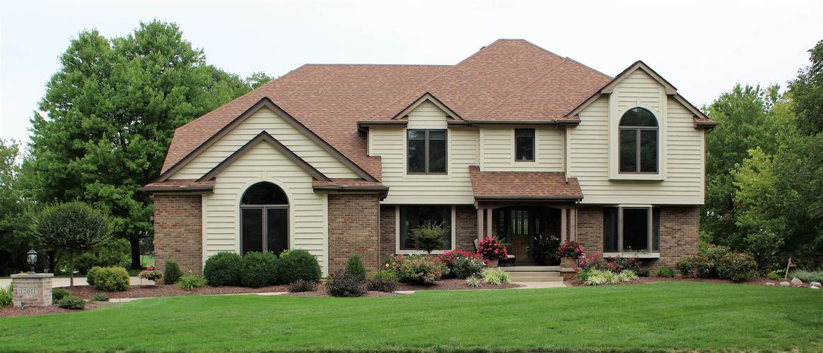12011  Woodbourne Court Fort Wayne, IN 46845 | MLS 202036410
