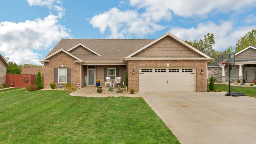 1736  POND VIEW Drive Kokomo, IN 46902 | MLS 202037011