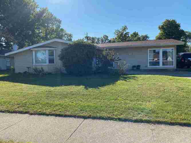 1111  Whitehall Drive South Bend, IN 46615 | MLS 202037958