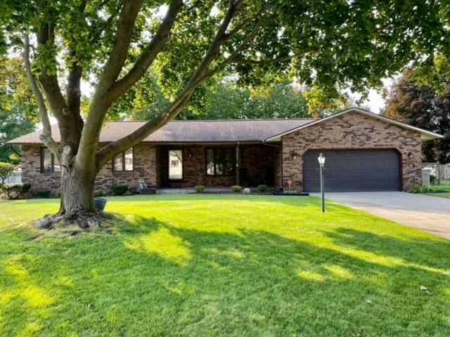 51767 E Gatehouse Drive South Bend, IN 46637 | MLS 202038326