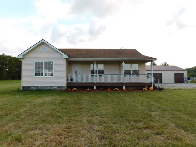 9965 E Blue River Road Pekin, IN 47167 | MLS 202038787