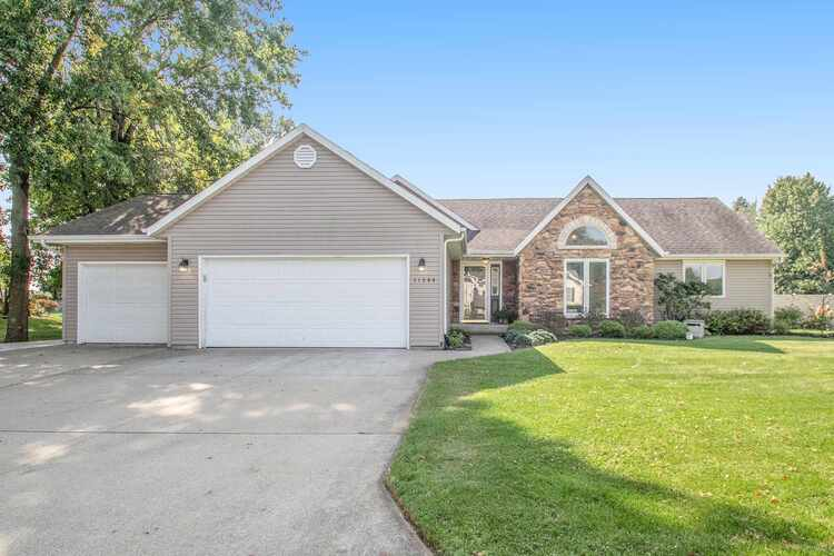 11344  Nicole Dr. South Drive Granger, IN 46530 | MLS 202039056