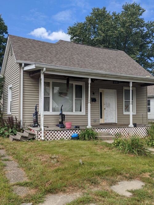 118 N Jackson Street Oakland City, IN 47660 | MLS 202039309