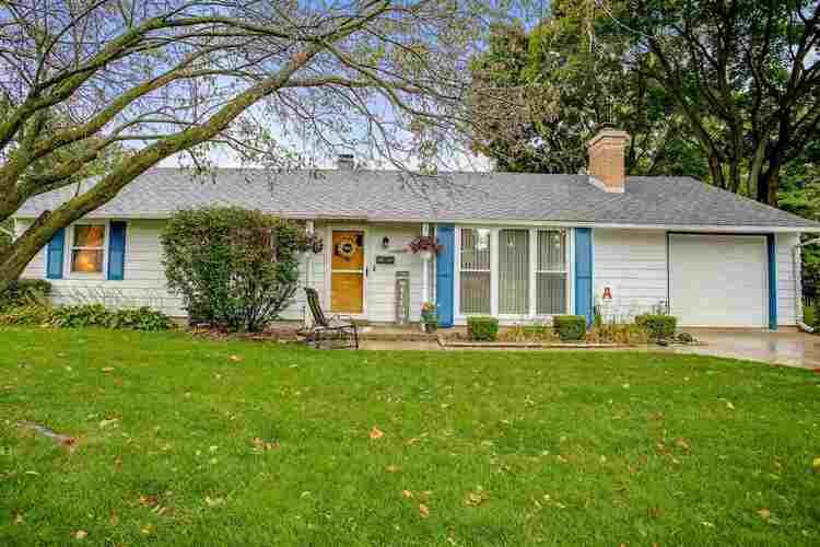 2709  Southridge Drive South Bend, IN 46614-1537   MLS 202039935