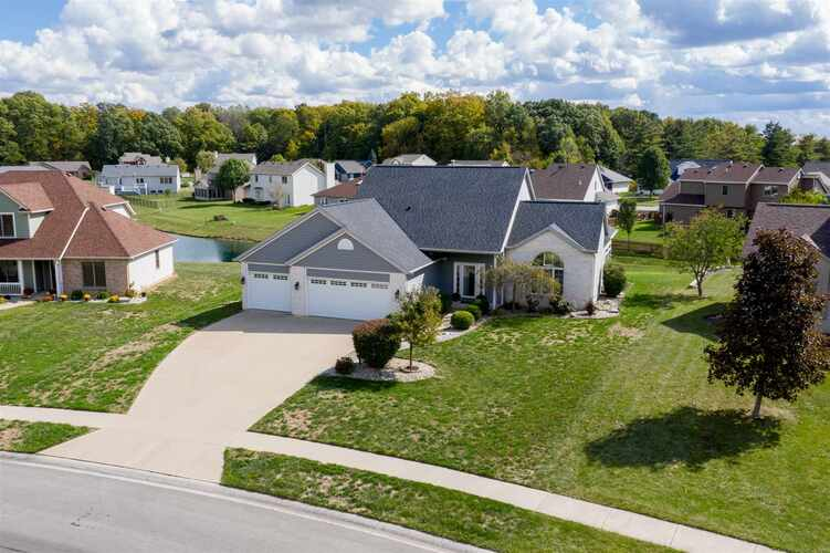 2312  Laforge Lane Auburn, IN 46706 | MLS 202040009