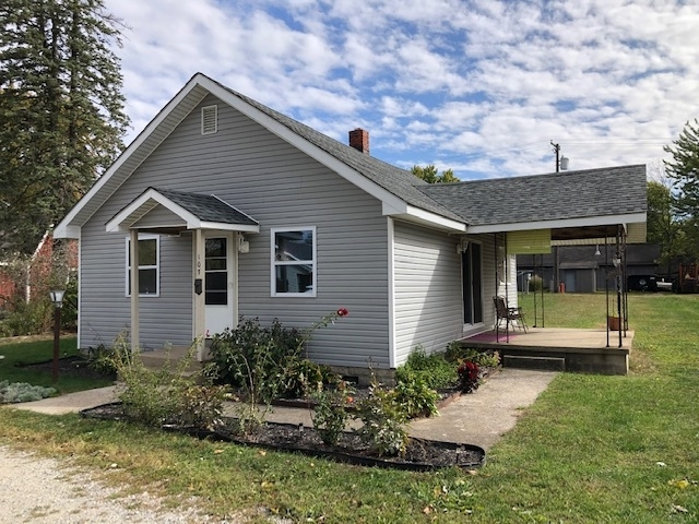 107 S Middle Street Buffalo, IN 47925 | MLS 202040037