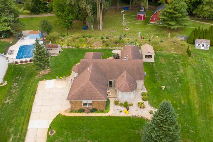 68073  Telegraph Court Lakeville, IN 46536-9777   MLS 202040531