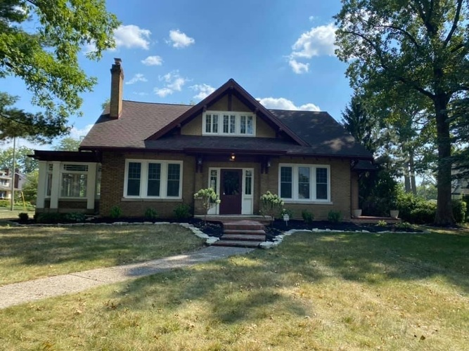 4230  Indiana Avenue Fort Wayne, IN 46807 | MLS 202040541