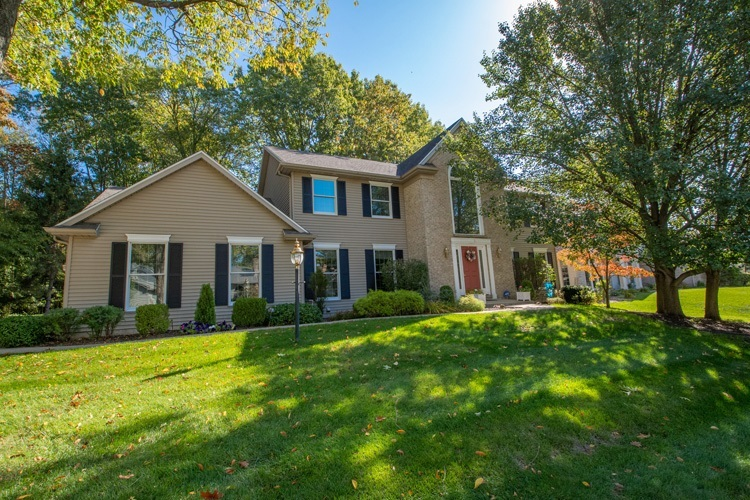 52630  Willow Bend Drive Granger, IN 46530 | MLS 202040701