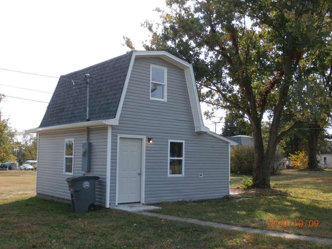 801 S Indiana Street Bicknell, IN 47512 | MLS 202041263