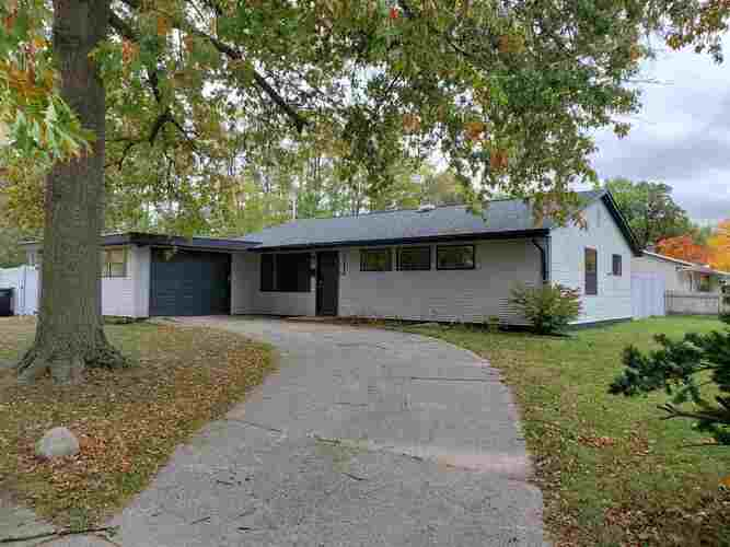 3232  Sorin Street South Bend, IN 46615 | MLS 202041851