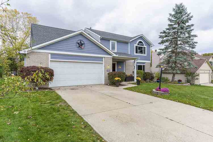 226  Blue Cliff Place Fort Wayne, IN 46804-6461 | MLS 202041888