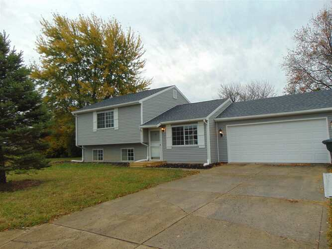 1408 N Olivewood Court Muncie, IN 47304 | MLS 202042192