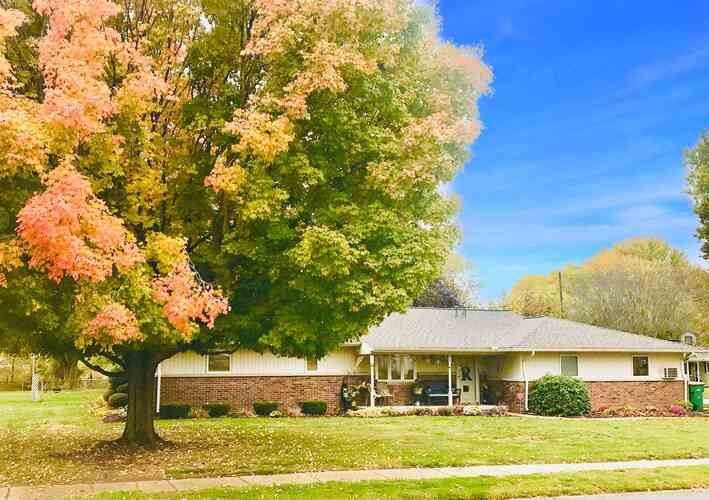 725  Holiday Drive Greentown, IN 46936 | MLS 202042340