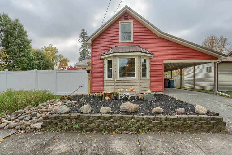 407 E 4th Street North Manchester, IN 46962-1605   MLS 202042637