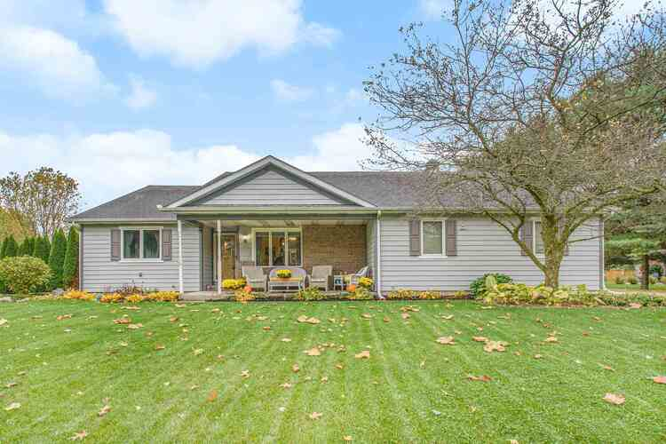 68214  Riddles Lake Drive Lakeville, IN 46536-9775   MLS 202043115