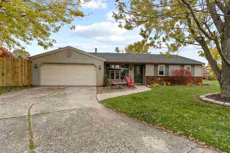 9716  Silver Shore Court Fort Wayne, IN 46804 | MLS 202043208
