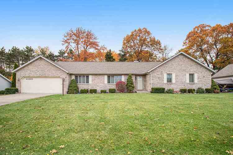 25563  Fawn Ridge Drive South Bend, IN 46619 | MLS 202043460