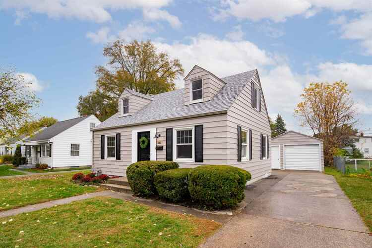 2427  Corby Boulevard South Bend, IN 46615-3409   MLS 202043577
