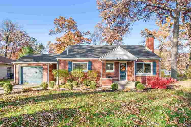 1619  Corby Boulevard South Bend, IN 46617 | MLS 202044729