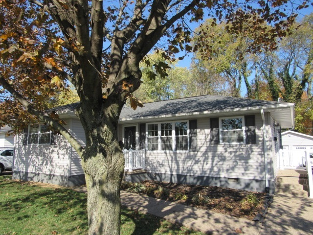 737 E Tenth Street Mount Vernon, IN 47620 | MLS 202044920