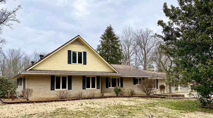 602  Orchard Lane Huntingburg, IN 47542 | MLS 202046694