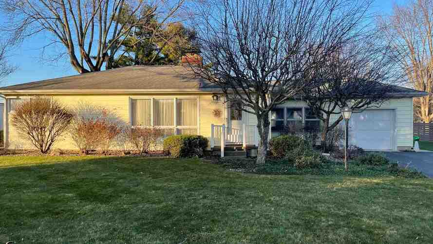 1702  Westchester Drive North Manchester, IN 46962-1358 | MLS 202047989