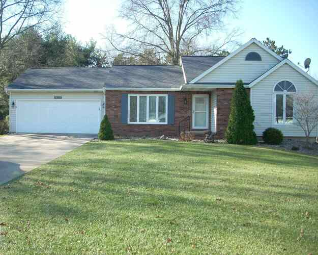 14713  Acorn Drive Plymouth, IN 46563 | MLS 202048590