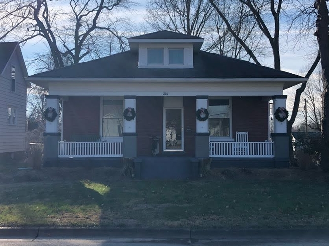 201 E 1st Street Huntingburg, IN 47542 | MLS 202050048
