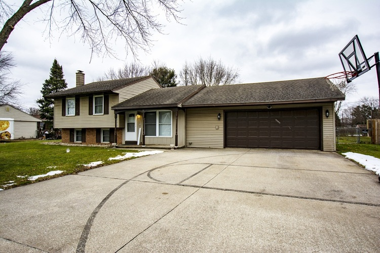 71  Sunnycrest Drive Osceola, IN 46561-9578 | MLS 202050063