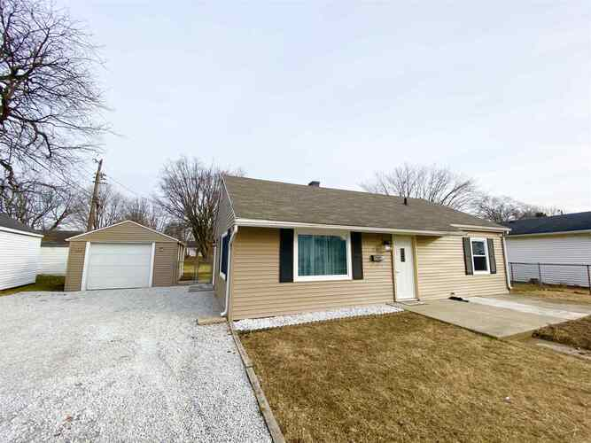 1220  Columbus Boulevard Kokomo, IN 46901 | MLS 202101377