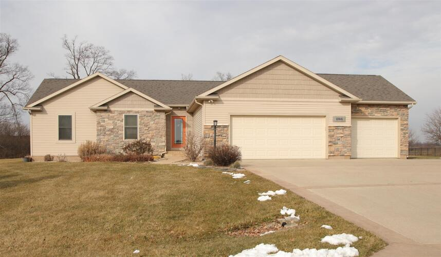 10818  Cardinal Circle Plymouth, IN 46563 | MLS 202101757