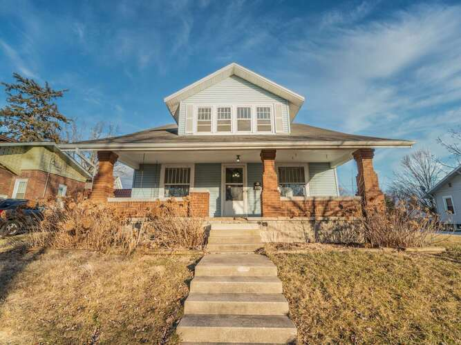 605 N Sycamore Street North Manchester, IN 46962 | MLS 202103825